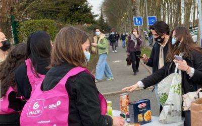 Plus d'une tonne de dons alimentaires récoltés par les jeunes de Marcq Institution