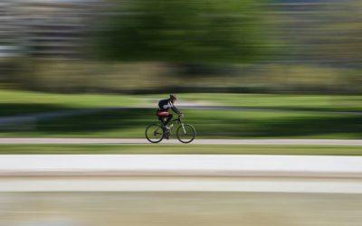 À vélo, il traverse la France pour récolter des dons contre les cancers pédiatriques